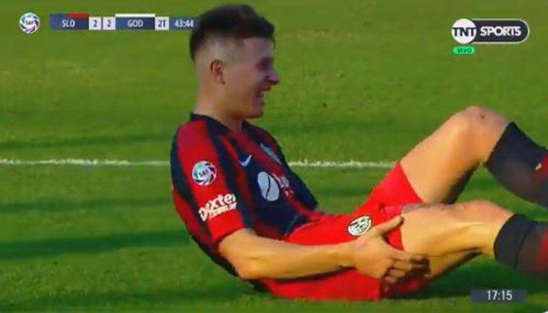 ¿De qué se ríe? El penal inventado por Merlos y la sorpresiva reacción del jugador de San Lorenzo