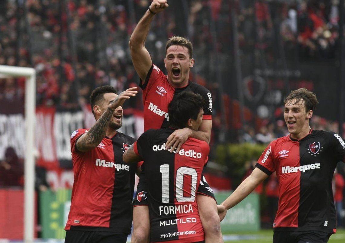 Newell´s debutó con solidez: venció 2 a 0 Central Córdoba