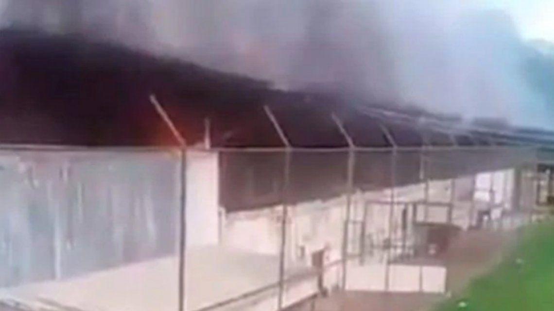 Brasil: al menos 52 muertos y 16 decapitados en un motín carcelario