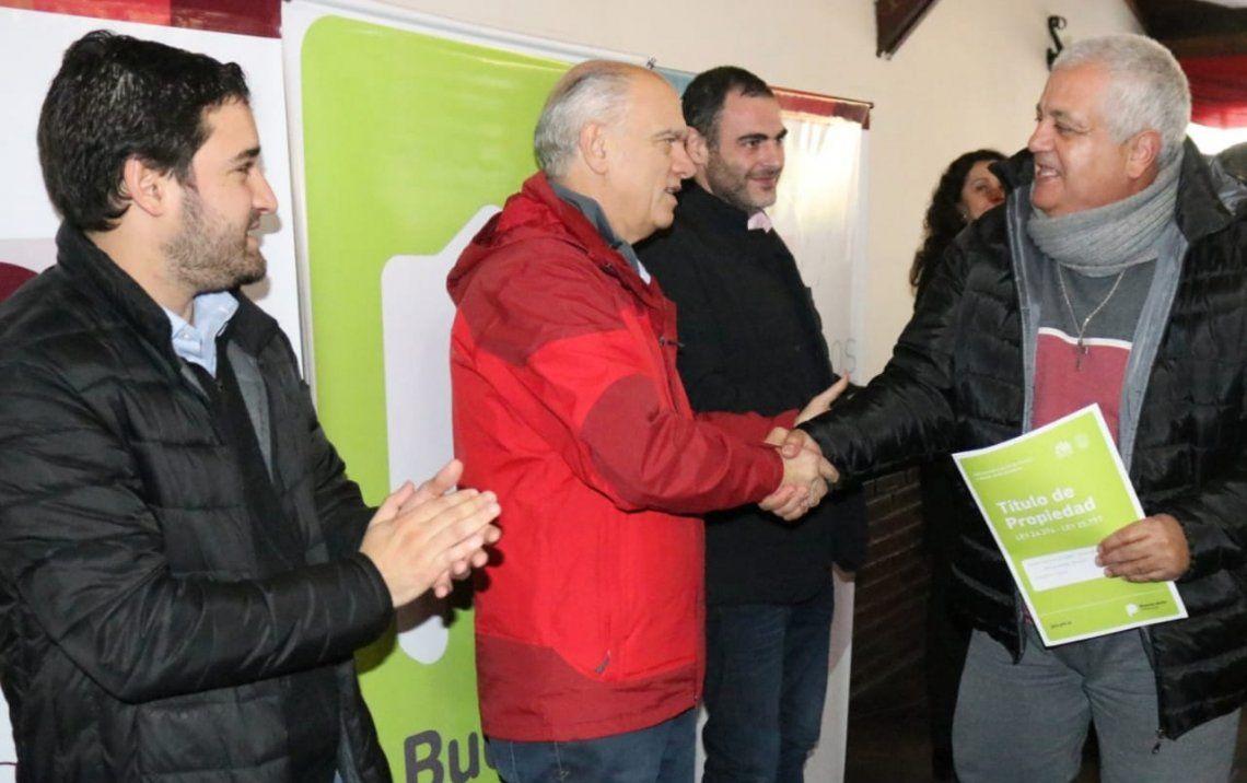 Lanús: entregaron 50 escrituras a vecinos