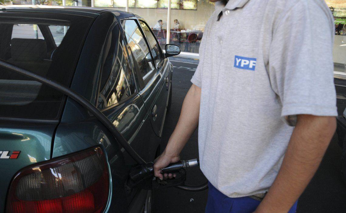 El Gobierno autorizó un aumento de 4% en combustibles desde este jueves