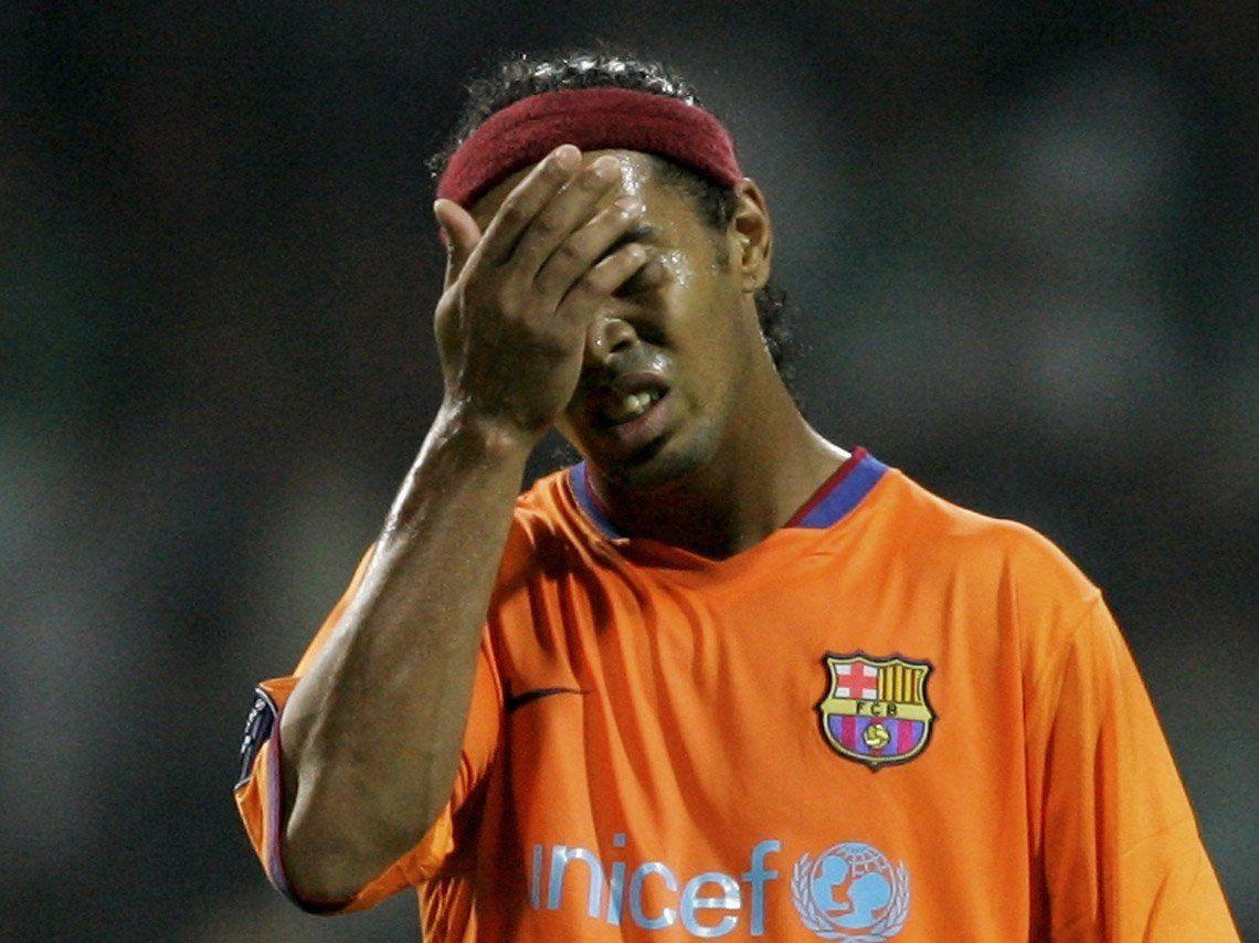 Embargan 57 propiedades a Ronaldinho y le retienen los pasaportes por no cumplir con las multas por daños medioambientales