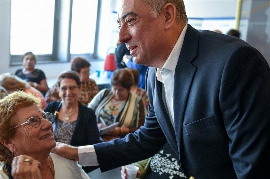 Remedios gratis para jubilados: el titular del Pami calificó de demagógica la promesa de Alberto Fernández