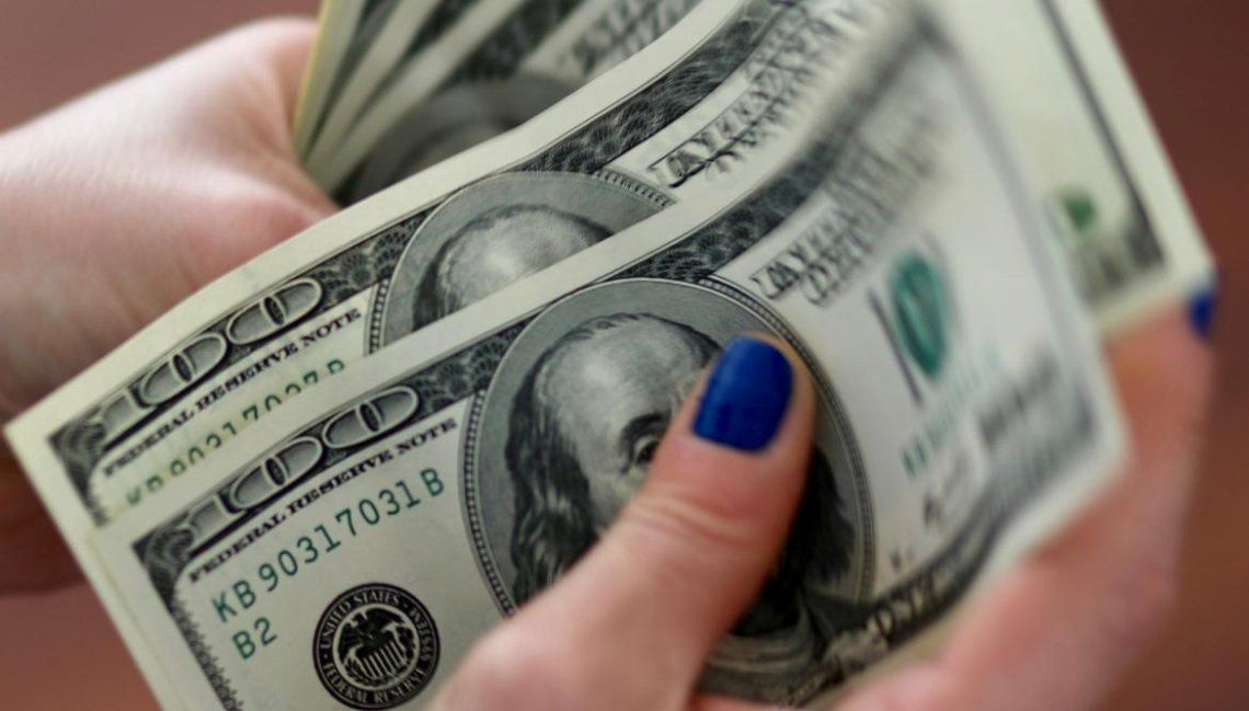Tras los anuncios del Gobierno, el dólar supera los $66 en el homebanking de algunos bancos