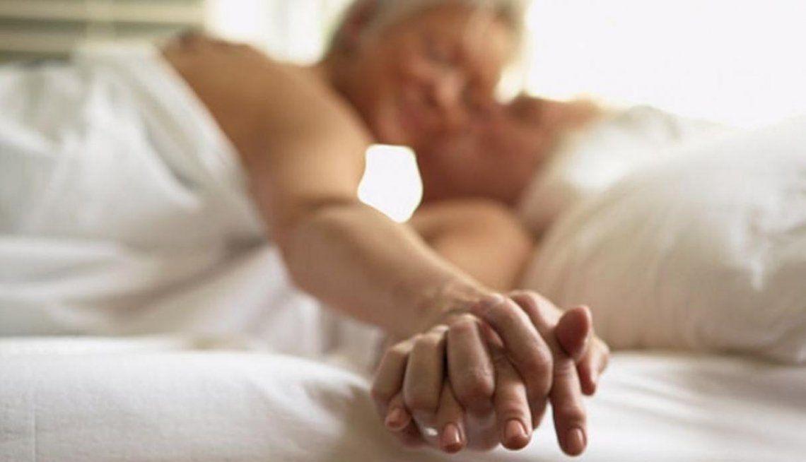 Sexo en la tercera edad: 1 de cada 3 adultos mayores logra llegar al orgasmo
