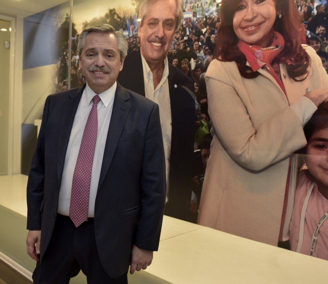 Alberto Fernández aseguró que Macri fue bochado en varias cosas.