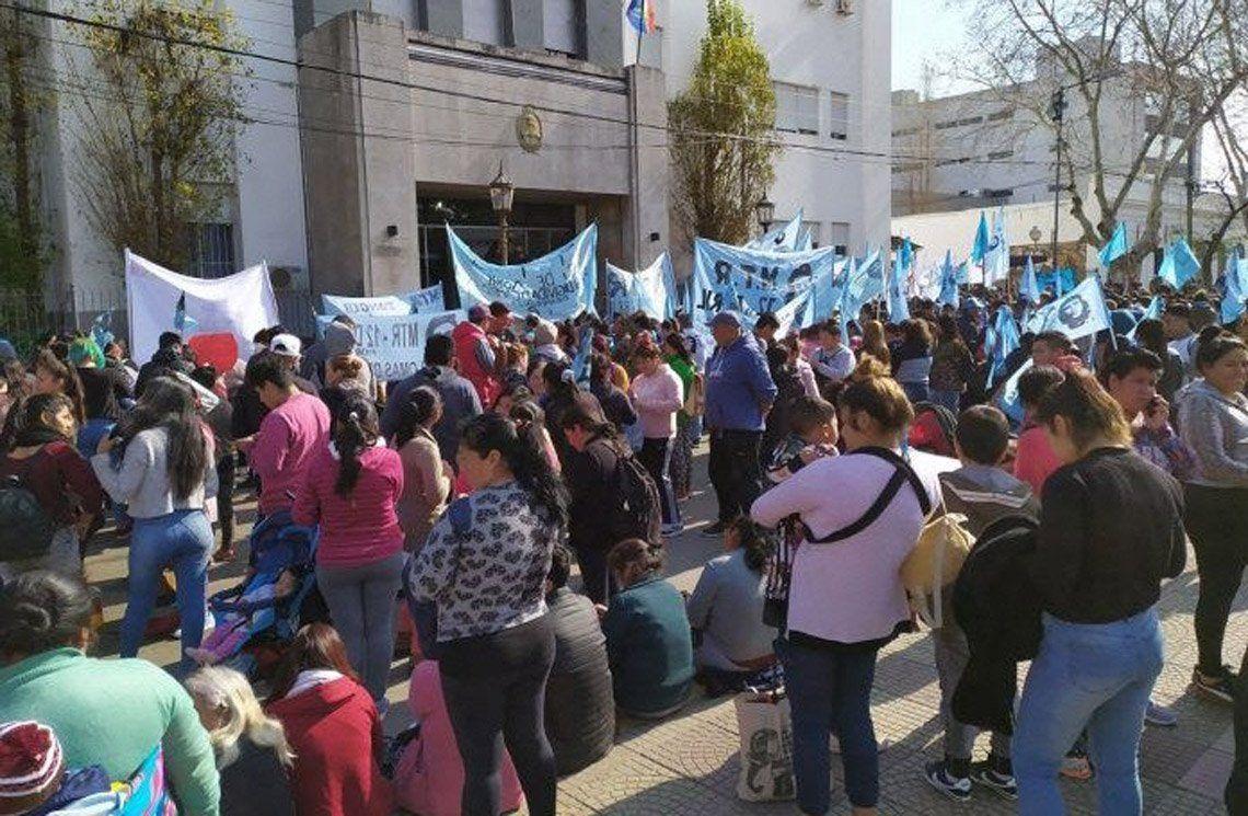 Referentes del Movimiento Teresa Rodríguez aseguraron que sus merenderos están desbordados.
