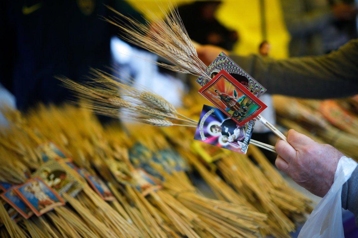 San Cayetano: postales de la peregrinación a Liniers