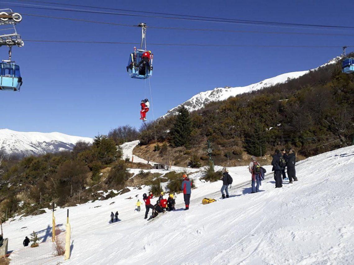 Bariloche: rescataron a 250 personas atrapadas en una de las telecabinas del Cerro Catedral