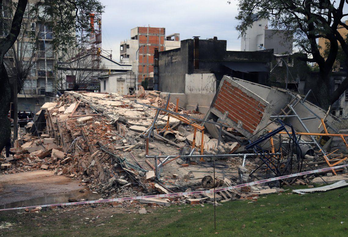 Así quedó el edificio de 8 pisos en construcción que se vino abajo. Afortunadamente no hubo víctimas.