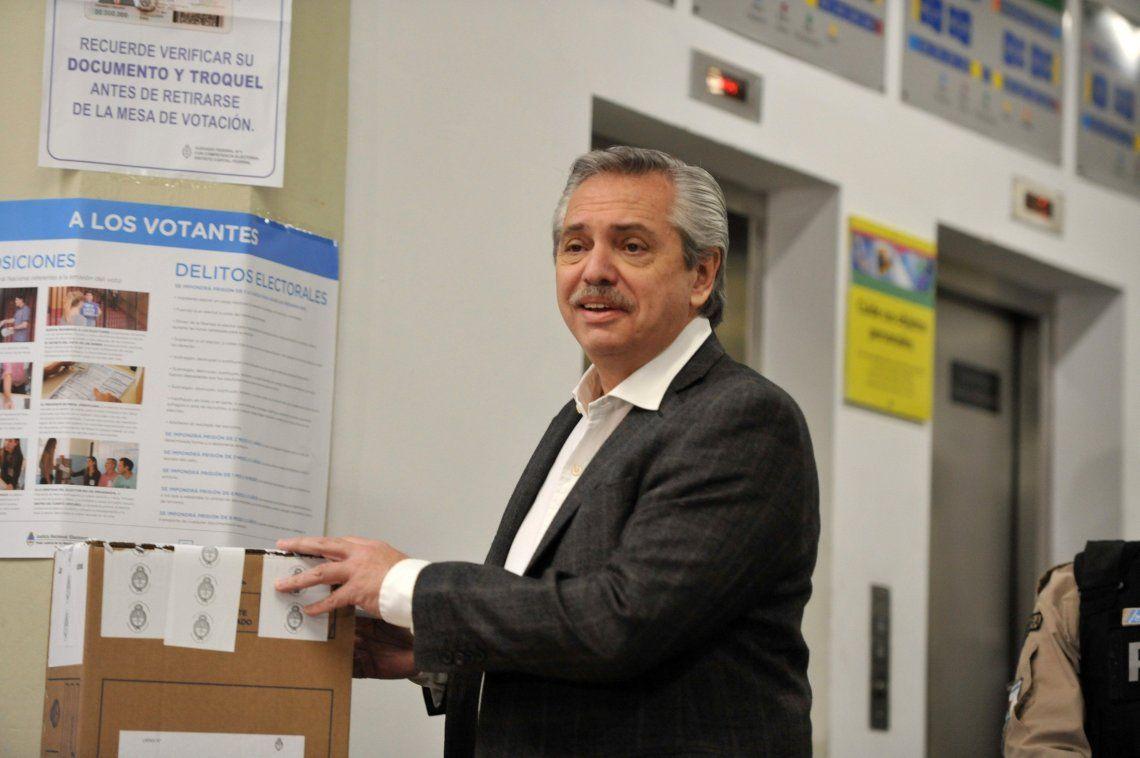 PASO 2019 | Alberto Fernández tras emitir su voto: El Gobierno está nervioso y sembró dudas sobre el escrutinio