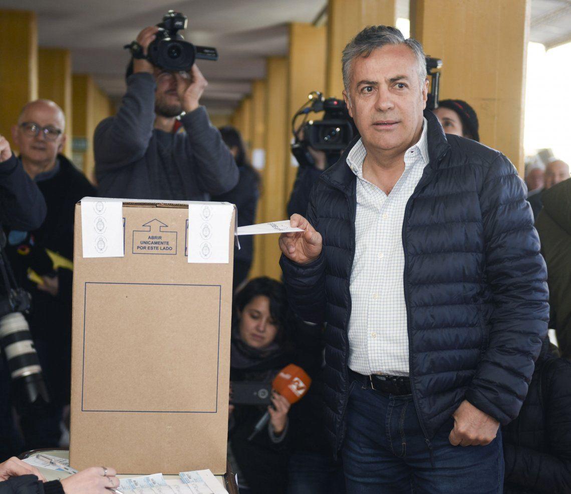 PASO 2019 | Alfredo Cornejo fue a votar y se olvidó el DNI