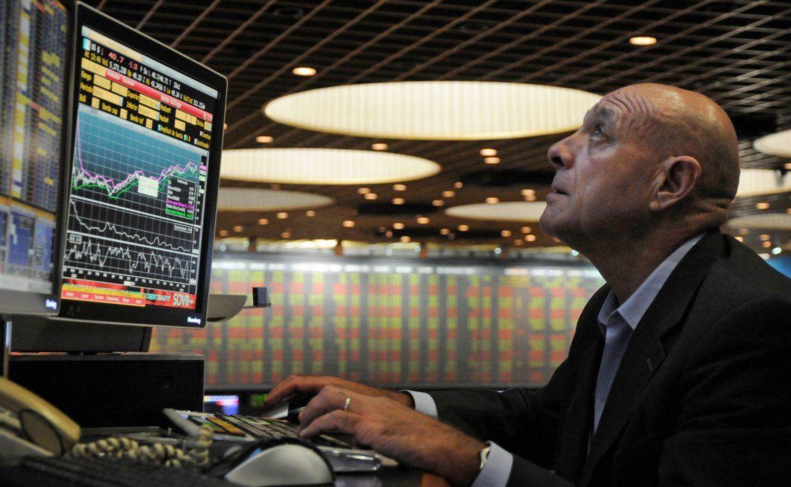 La Bolsa perdió 1,75% y el riesgo país cerró en 2.060 puntos básicos