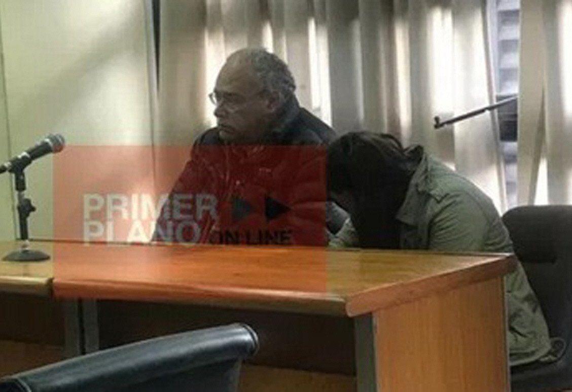 La preceptora se mantuvo con la cabeza baja durante la lectura del veredicto.