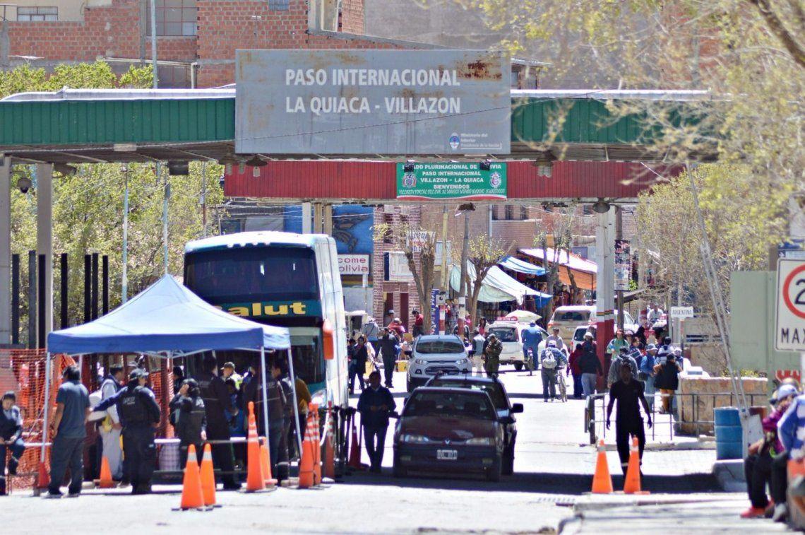 Bolivia: por la devaluación, no aceptan el peso argentino