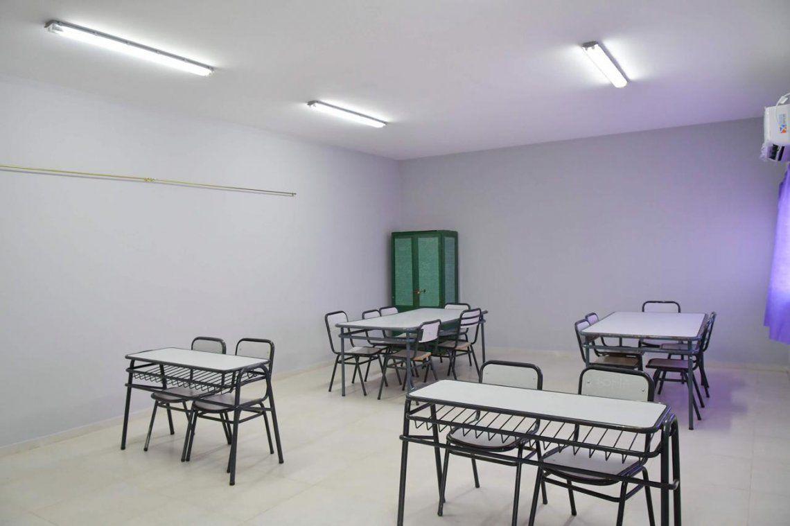Florencio Varela: el Intendente Watson y la comunidad educativa inauguraron nuevas aulas en la Escuela Primaria Nº 44