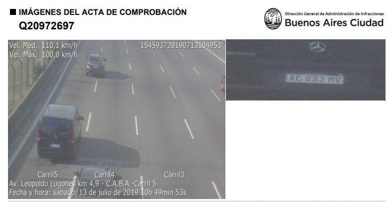 La Mercedes Benz que usa el presidente Macri superó la velocidad máxima.