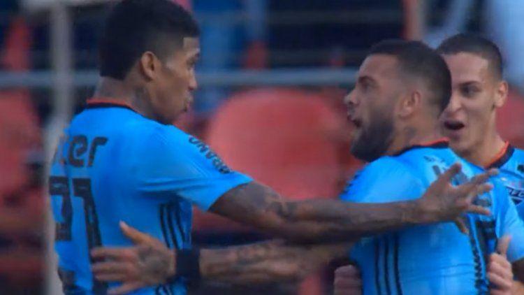 Debut y golazo para Dani Alves en el San Pablo de Brasil