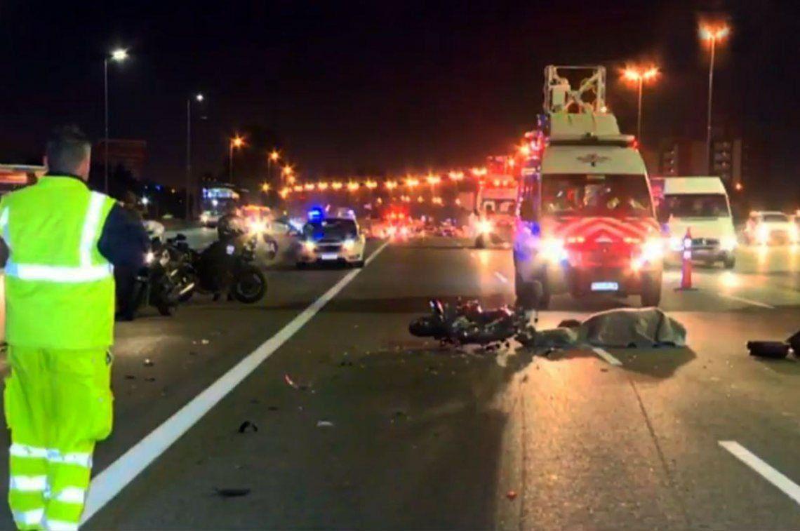 Conductor atropelló a motociclista, lo mató y se dio la fuga en la autopista Panamericana