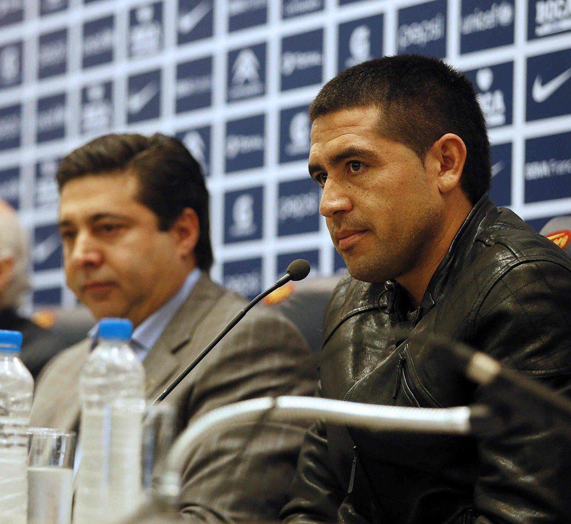 Angelici desmintió que le haya ofrecido un cargo político a Riquelme