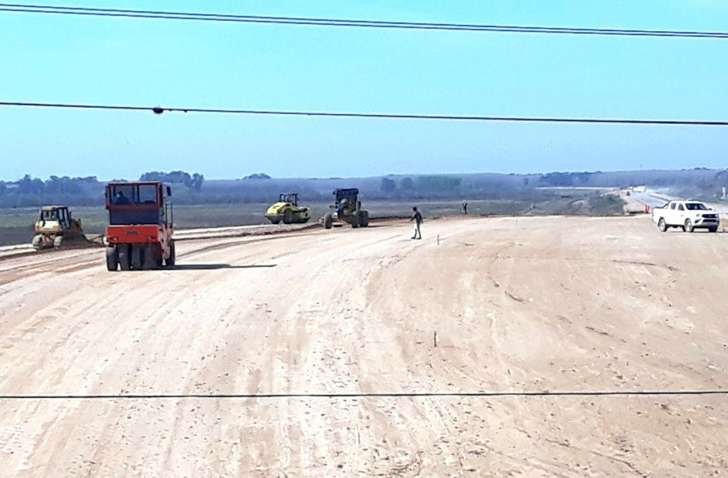 Se ultiman los detalles para que puedan utilizarse los tramos de la nueva autopista.