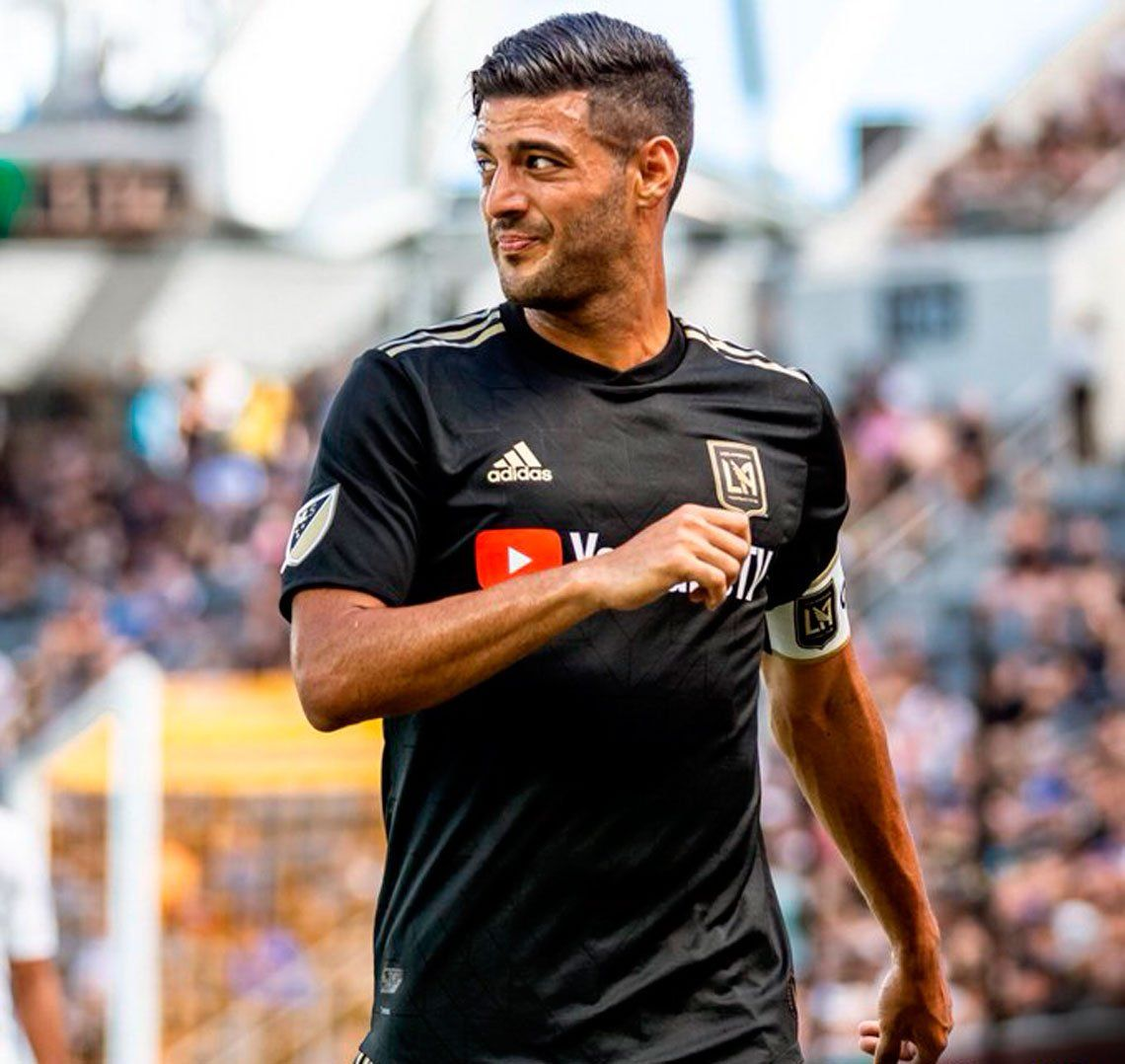 Carlos Vela marcó un gol a lo Diego o a lo Lio