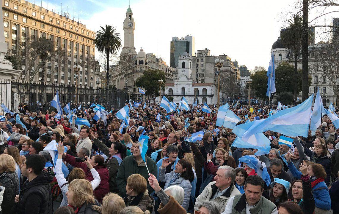 Flashes de la marcha en apoyo al Gobierno de Macri
