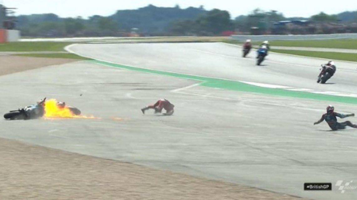 Impresionante accidente en el MotoGP de Gran Bretaña