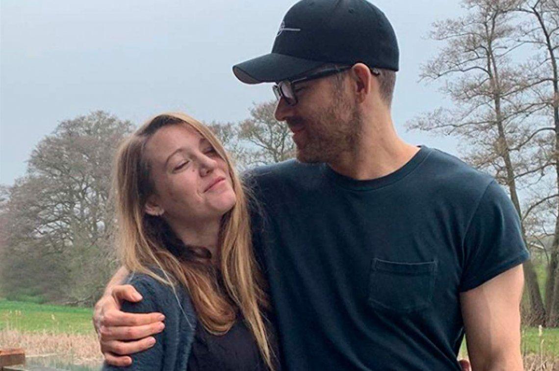 Un clásico: Ryan Reynolds celebró el cumpleaños de su esposa Blake Lively con sus peores fotos