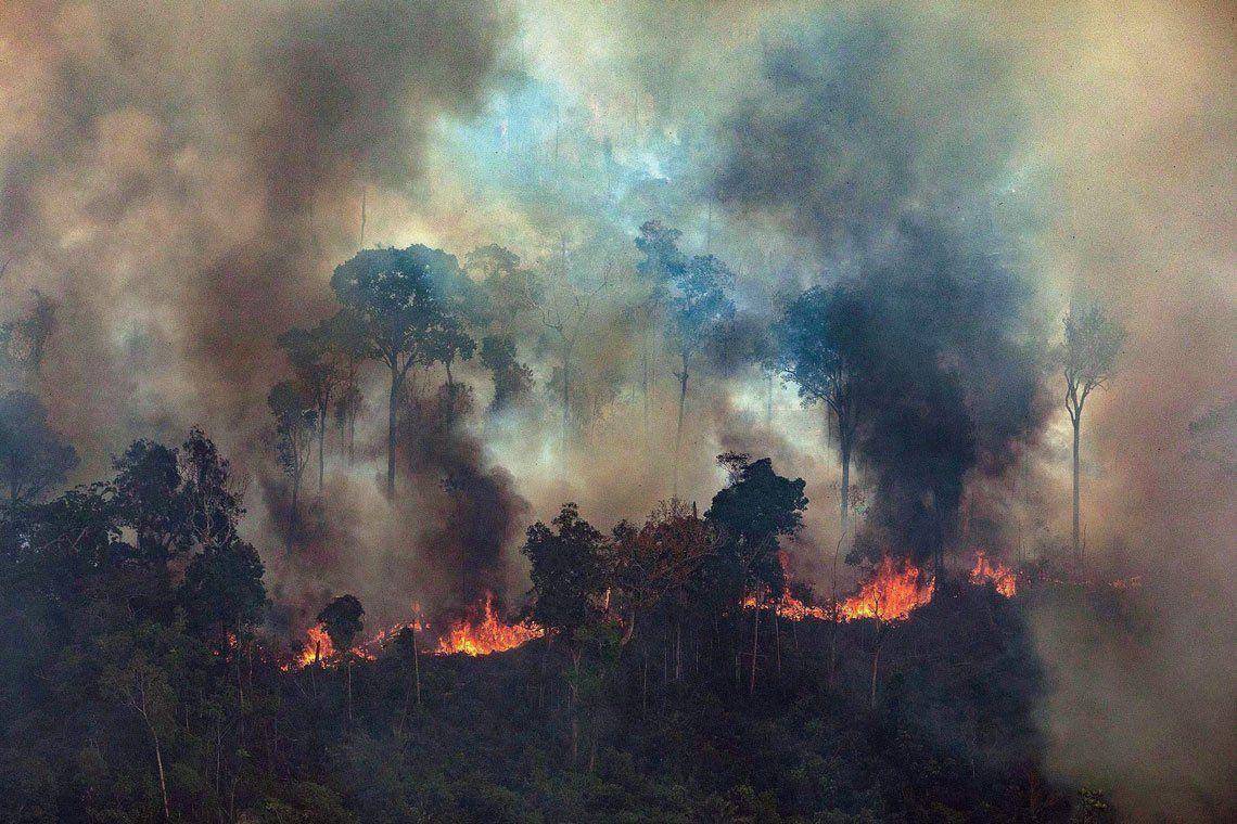 Mesa debate sobre incendios en Amazonas