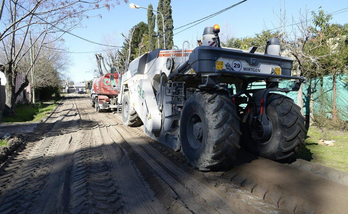 Hubo movimiento de suelo sobre la calle Chile.