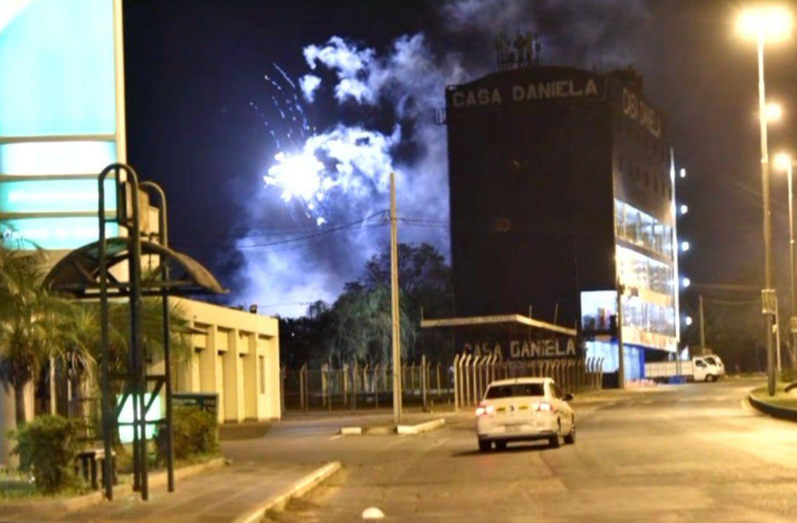 River sin dormir: hinchas de Cerro tiraron bombas en el hotel hasta las 4 de la mañana y hay 11 detenidos
