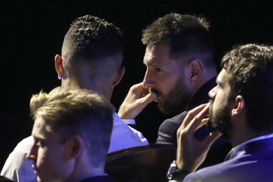 Video: la buena onda de Lionel Messi y Cristiano Ronaldo en los premios de la UEFA Champions League