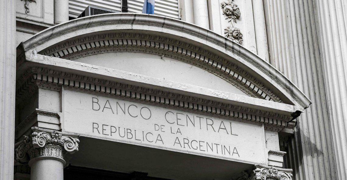 Bancos deberán pedir autorización del Central para girar utilidades.