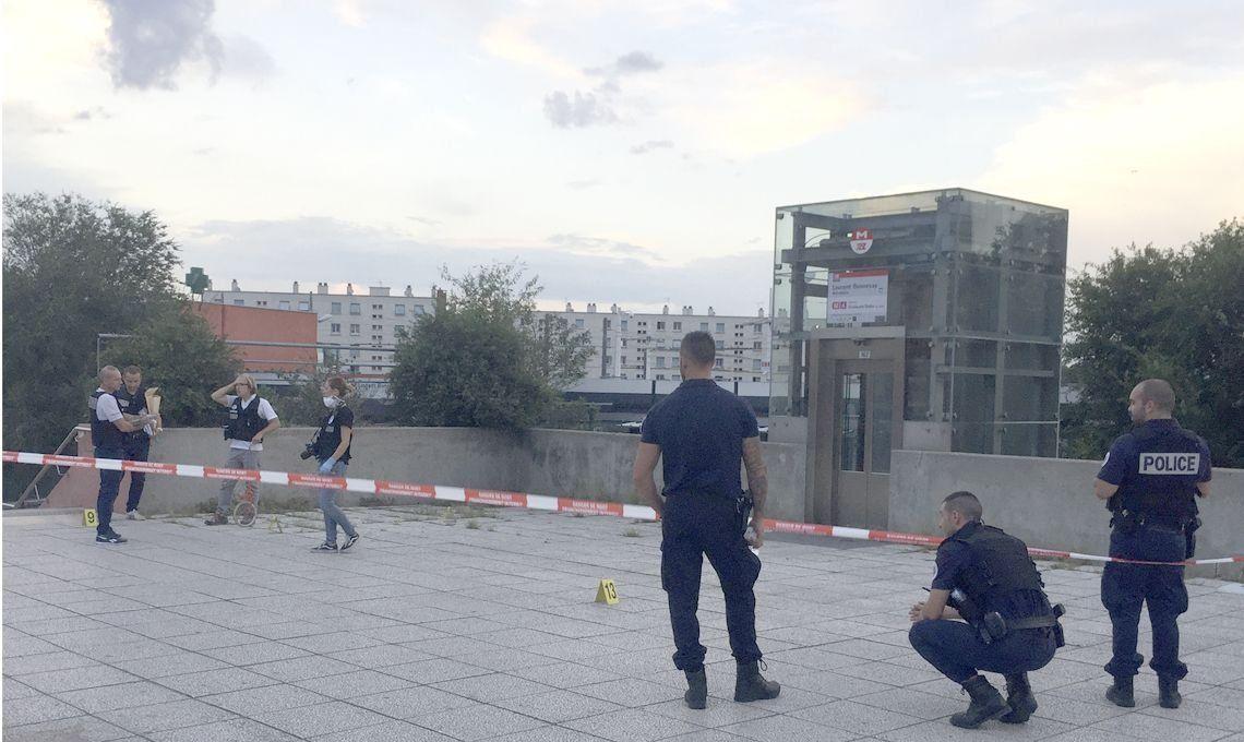 Francia: un muerto y nueve heridos por un ataque con armas blancas en Villeurbanne