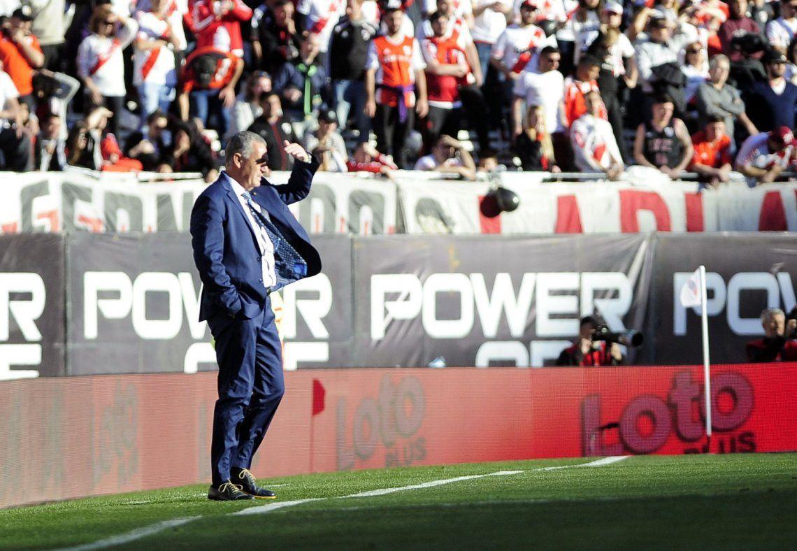 Gustavo Alfaro habló tras el empate en el Superclásico entre River y Boca: Que no haya jugado Tevez fue una decisión táctica