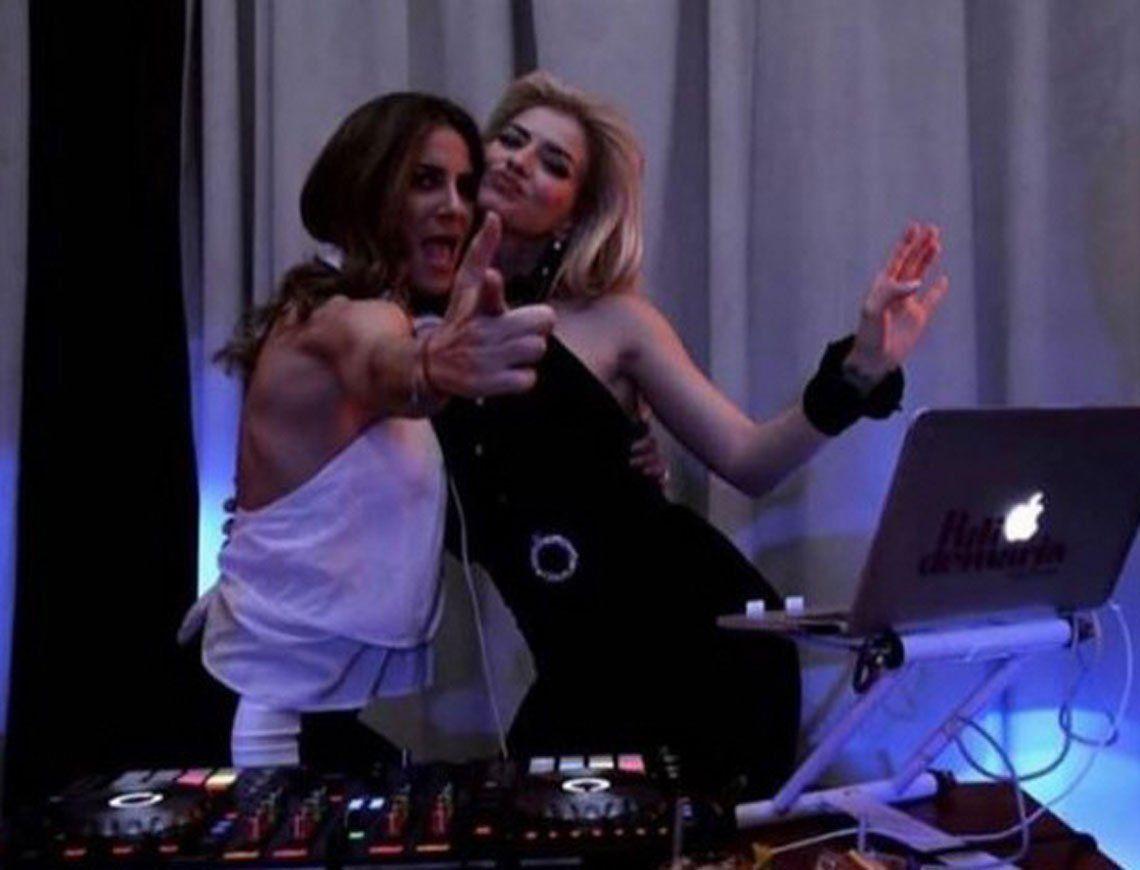 Esta es la foto de China Suárez con Puli Demaría. La DJ le pidió que la baje.