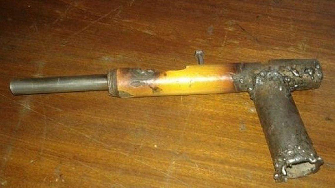 San Juan: se emborrachó durante el Superclásico, se peleó y baleó a una adolescente con un arma tumbera