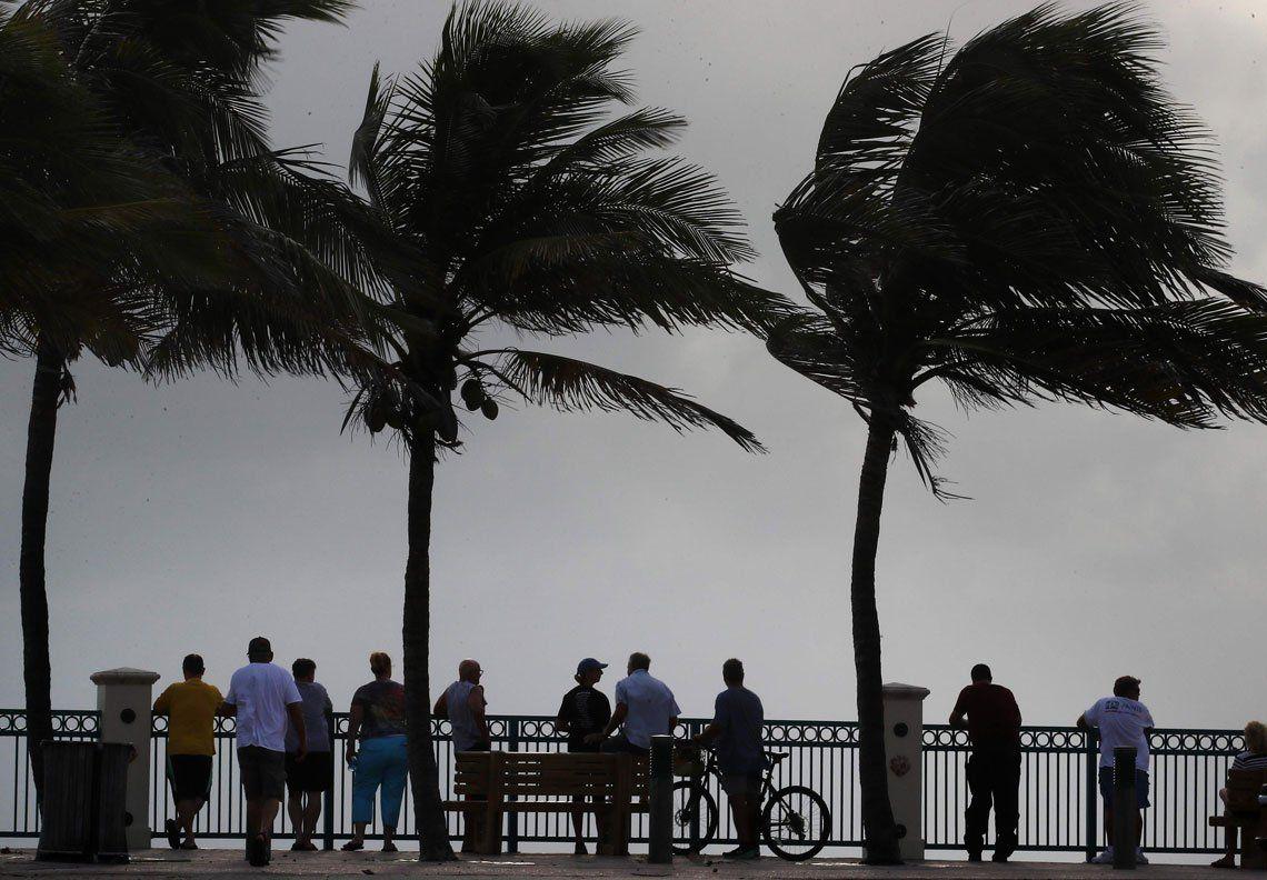 En fotos: el huracán Dorian avanza hacia Florida