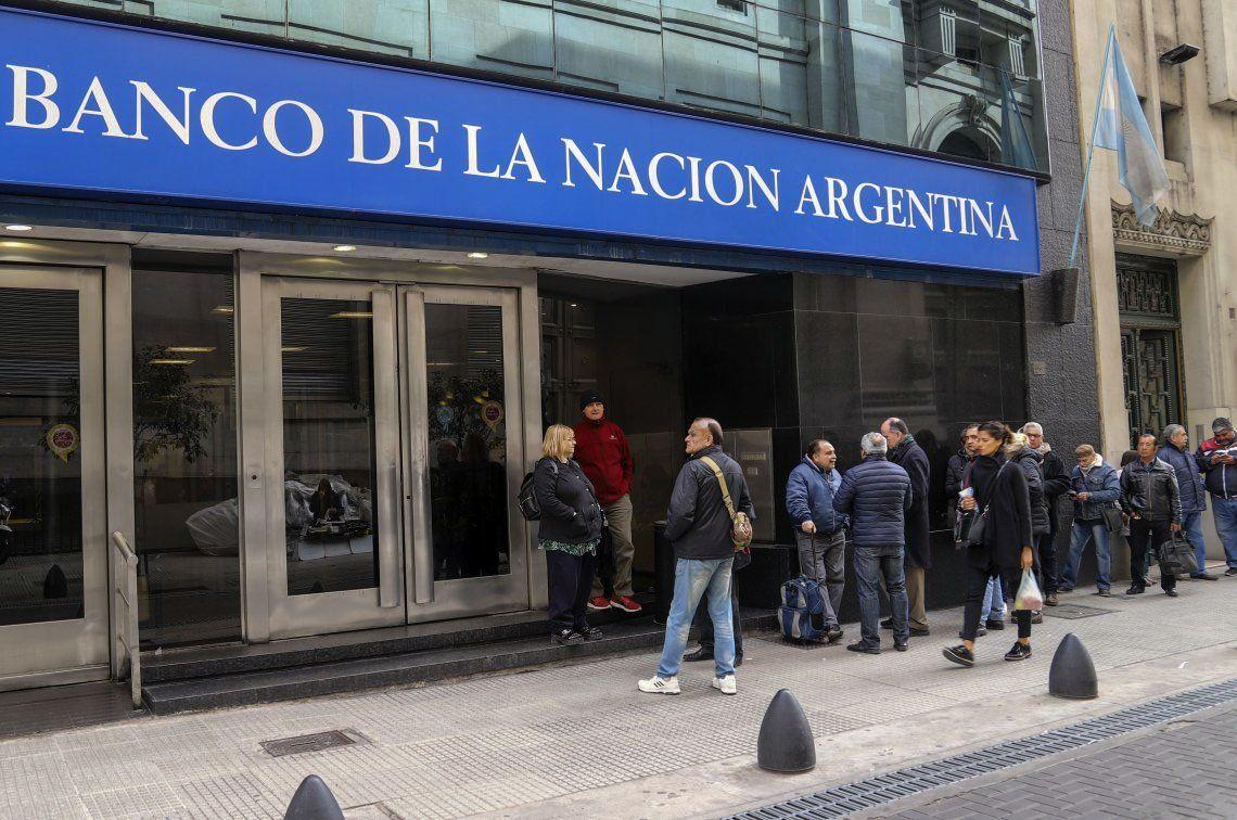 El dólar cerró a $57 en el Banco Nación
