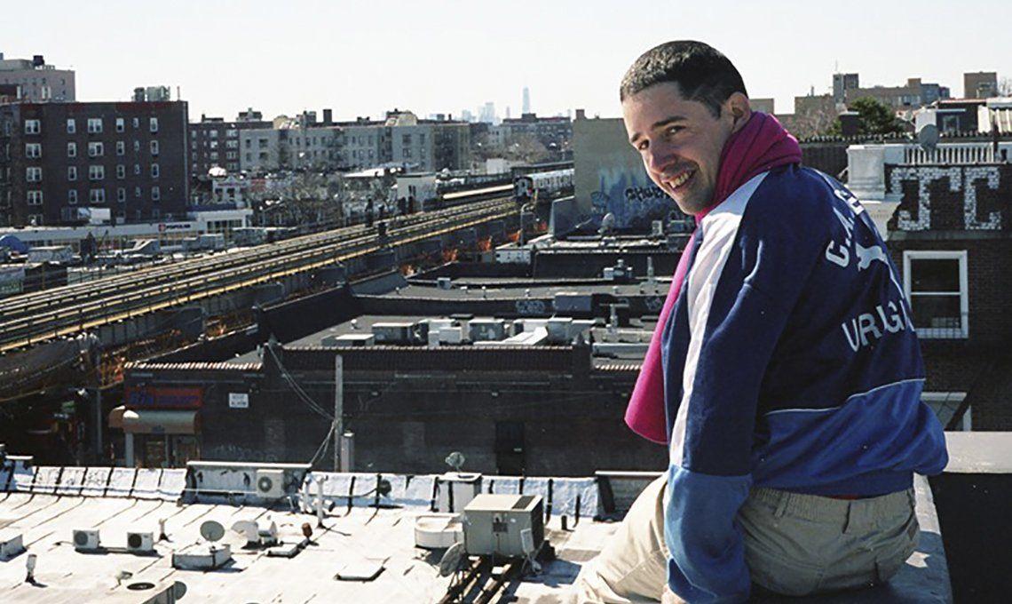 Entrevista al cantautor Juan Wauters: En mis shows quiero preservar la posibilidad de que haya un error