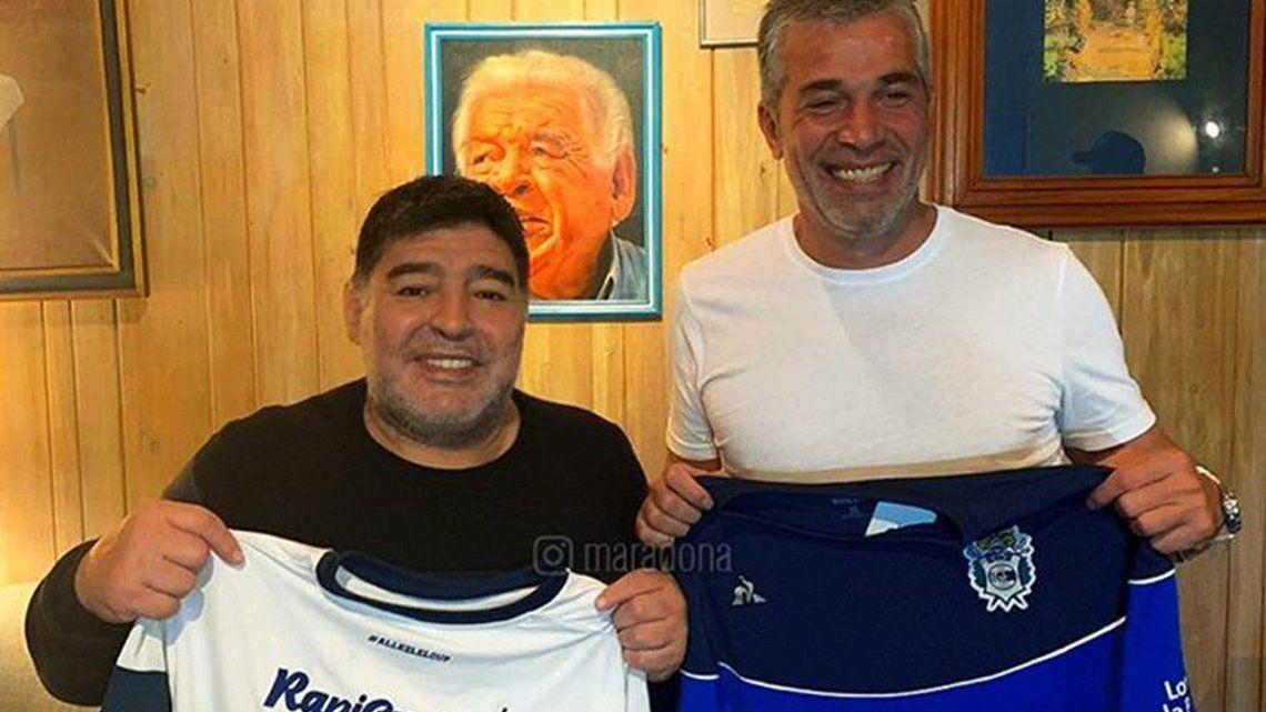Diego Armando Maradona confirmó su llegada a Gimnasia: Vamos a trabajar con alma y vida por el Lobo