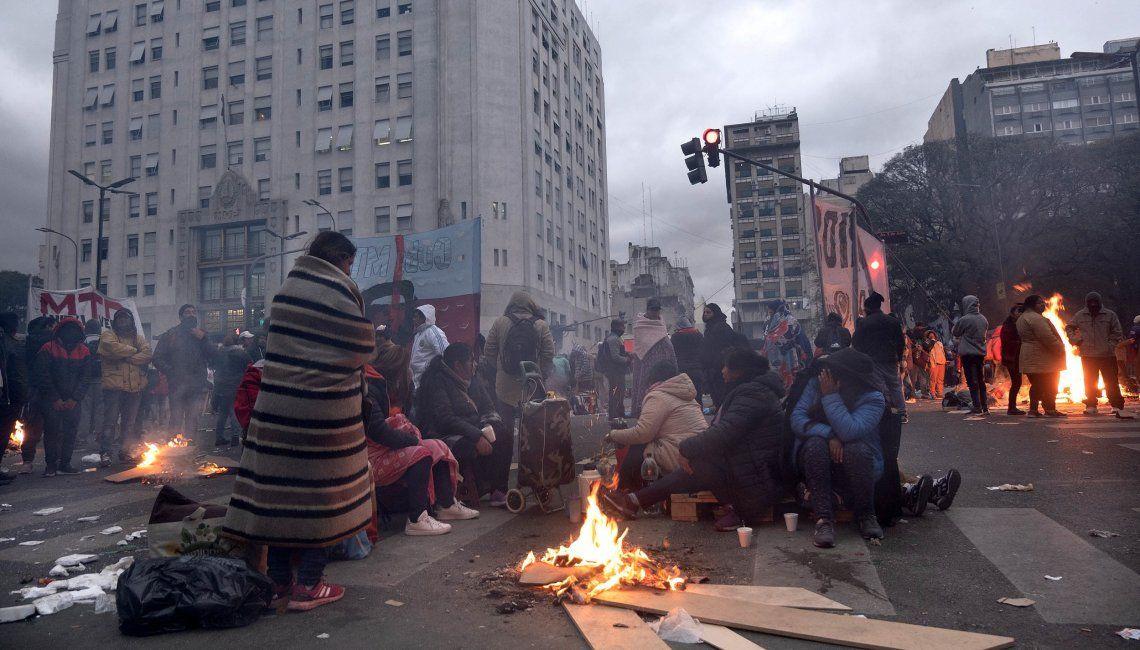 Los piqueteros amenazan con volver al centro porteño con 50 mil personas.