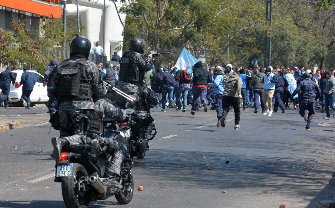 El saldo del enfrentamiento fue de nueve detenidos y varios heridos.