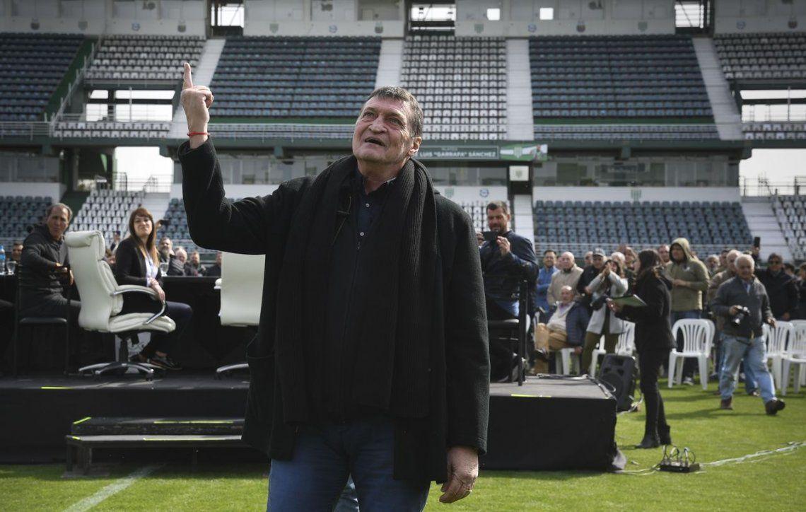 Julio Falcioni fue presentado en Banfield: Volver a este club es una emoción muy grande