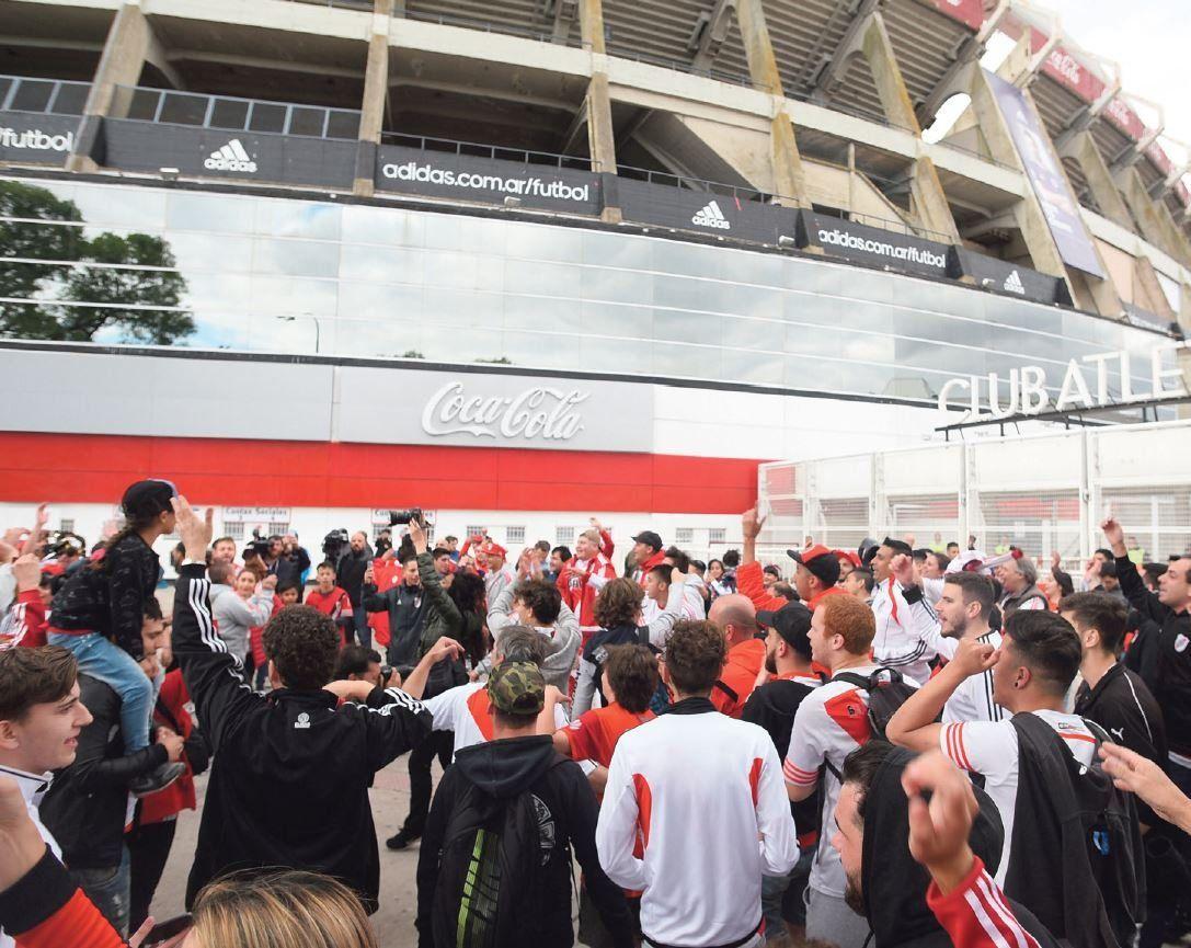 Las entradas para el Superclásico por Copa Libertadores en River ya se venden saladitas