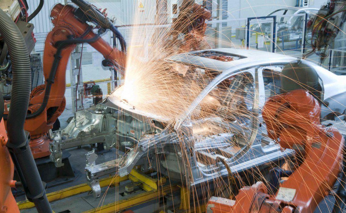 La crisis en la venta de autos provocó cierre de concesionarias en Capital y GBA y la pérdida de 3.600 empleos.