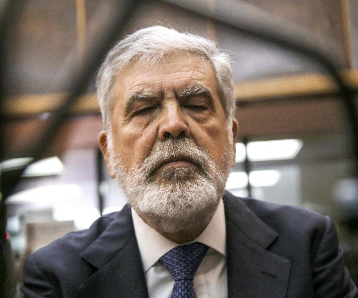 Julio De Vido seguirá en prisión: la Justicia rechazó su excarcelación en el caso Río Turbio
