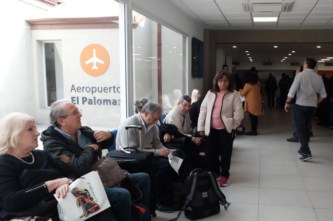 Fotos   El Aeropuerto del Palomar por dentro