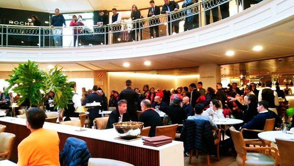 La CTEP se manifestó en shoppings porteños para reclamar una ley de emergencia alimentaria